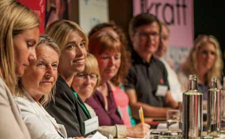 Foto på debattpanel