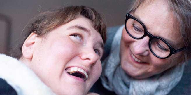 Anhöriga och personal hjälper Anna att bli mer delaktig i sitt eget liv