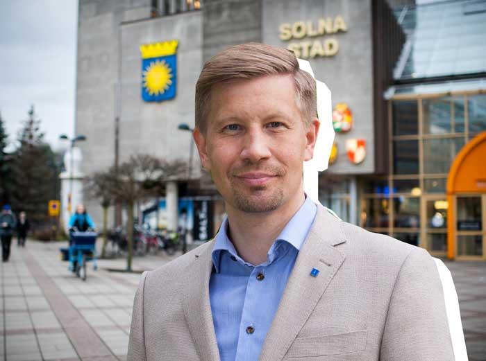 ordförande för omvårdnadsnämnden i Solna (collage)|Samuel Klippfalk