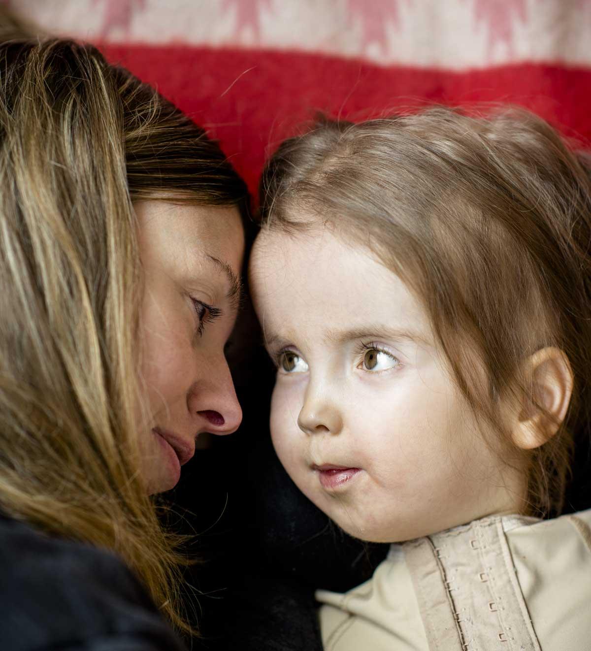 Hur kan man jämföra föräldraansvaret med friska barn? Eija kan ju inte lämnas ensam över huvud taget