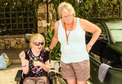 Foto på Lina och Elisabeth.