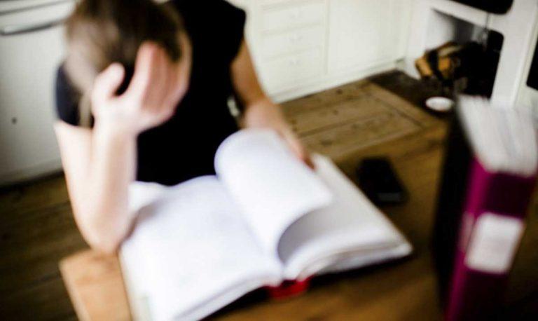 Expertsvar: Handläggaren bara förhalar. Hur kan vi se till att vår son får det stöd han har rätt till?