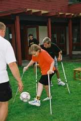 Foto på barn som spelar fotboll