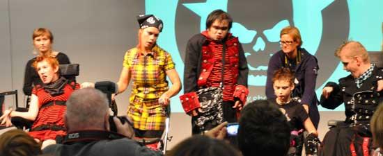 Foto från Funkisbyråns modevisning på Ett Bra Liv på Stockholmsmässan hösten 2009.