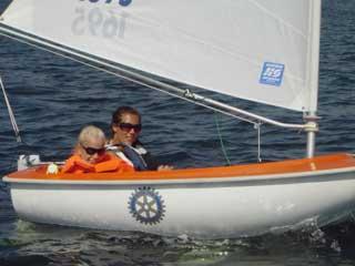 Foto på segelbåt.