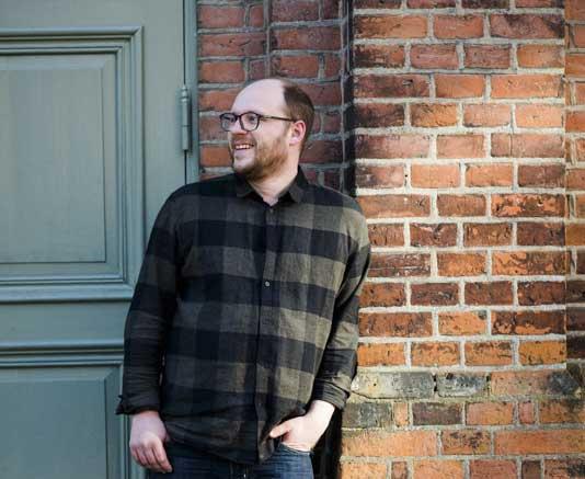 Niklas Altermark tror att småpartier som L och V kommer att kräva att LSS räddas i regeringsförhandlingarna. Foto: Linnea Bengtsson.