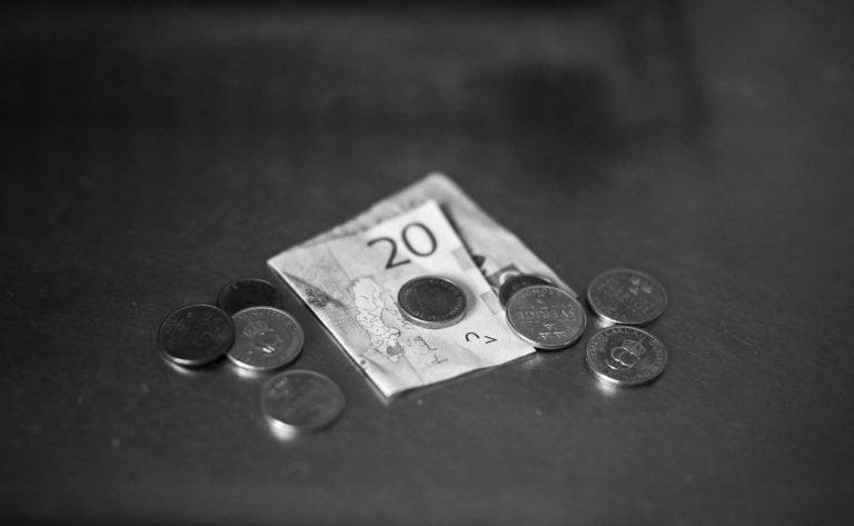 Vad gjorde din kommun med gratispengarna till hab-ersättning?